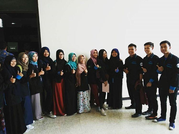 Sejumlah pegiat Himpunan Pengusaha Muda Indonesia Perguruan Tinggi (HIPMI PT) Uninus. (Dok. Pribadi)